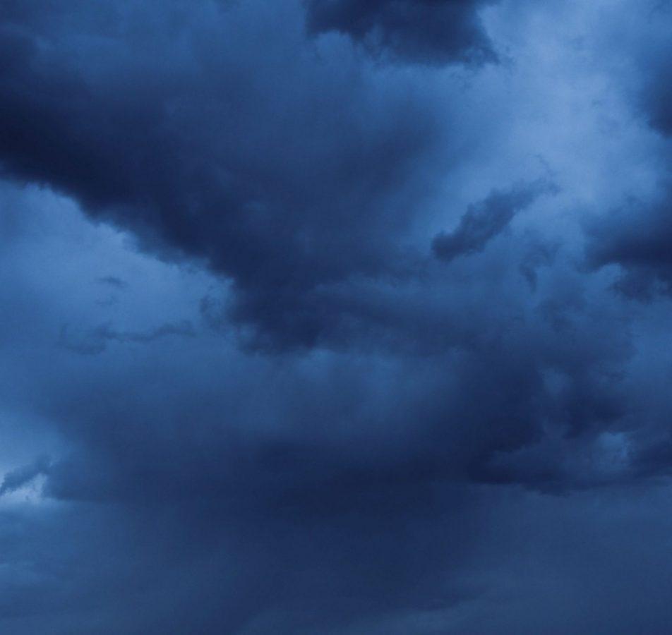 Bases de nimbostratus, avant la pluie